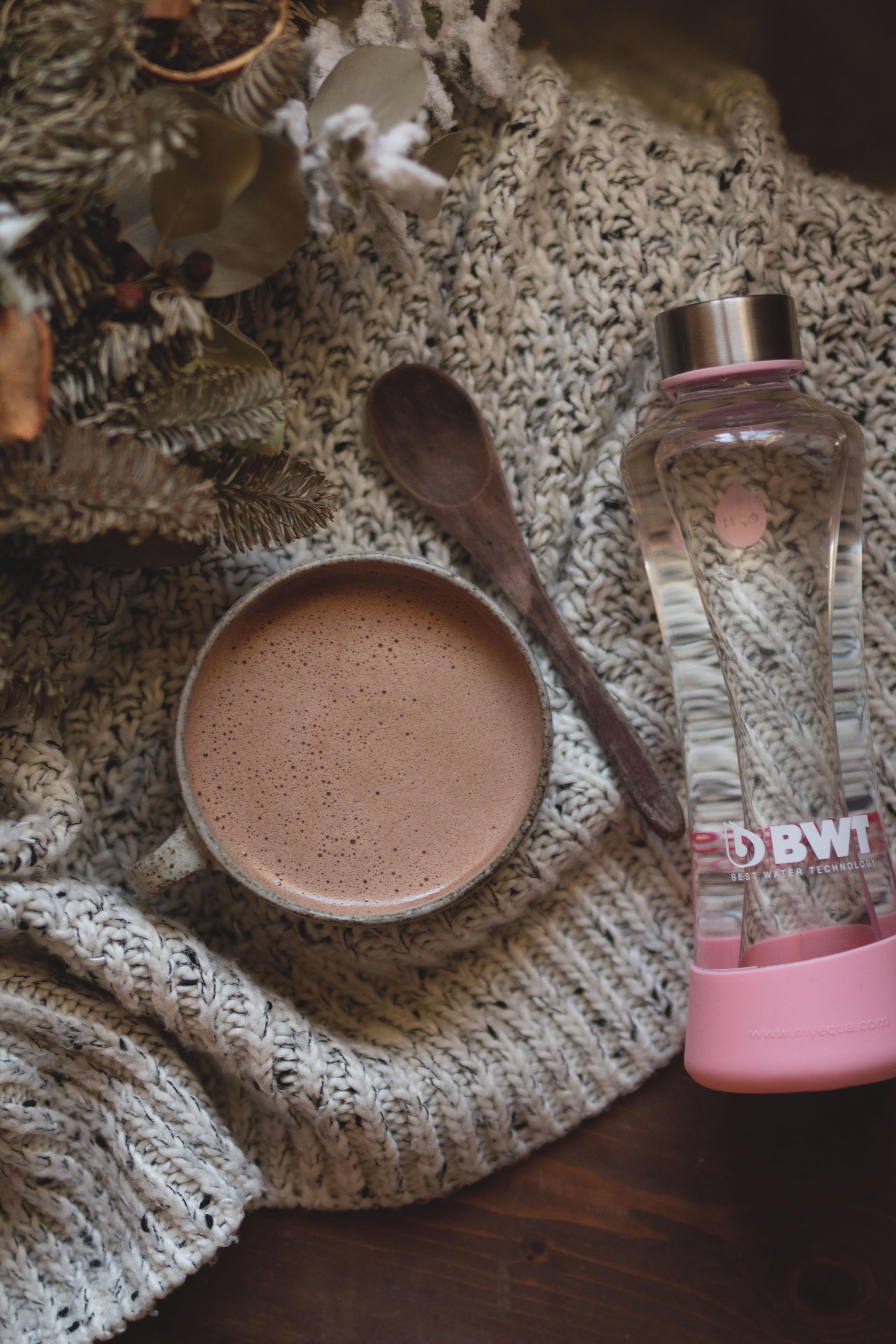 Latte al cioccolato crudista
