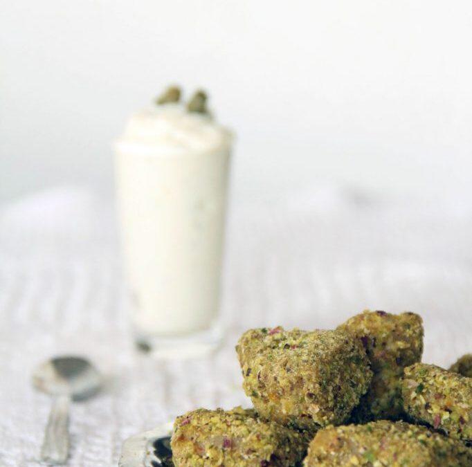 Bocconcini di seitan impanati e crema allo yogurt
