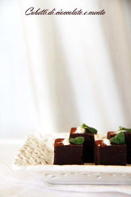 Cubetti di cioccolato e menta